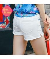 【ジーンズ・デニムパンツ】ショートパンツ・ホットパンツ【フリンジ裾】白【ホワイト】刺繍入り【夏物】 rp12946-1