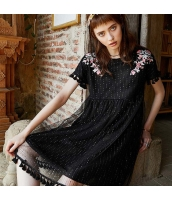 【膝上ワンピース】半袖【Aラインワンピース】黒【ブラック】刺繍入り【夏物】 rp12989-1